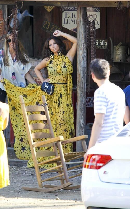 Ким Кардашиан на фотосессии для журнала Middle East