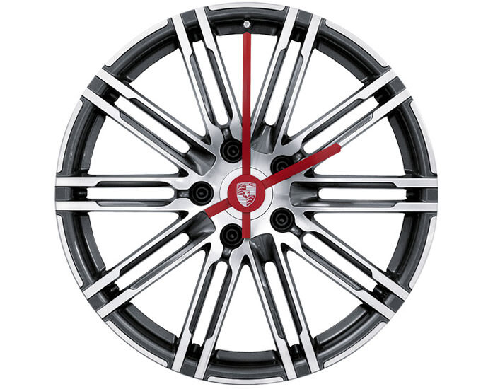 Настенные часы от Porsche