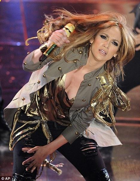 Дженнифер Лопес выступила на фестивале Санремо 2010
