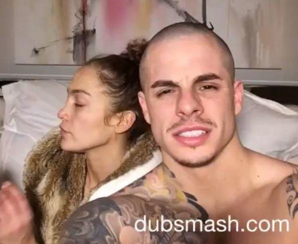 Видео: Каспер Смарт и Дженнифер Лопес поют в спальне