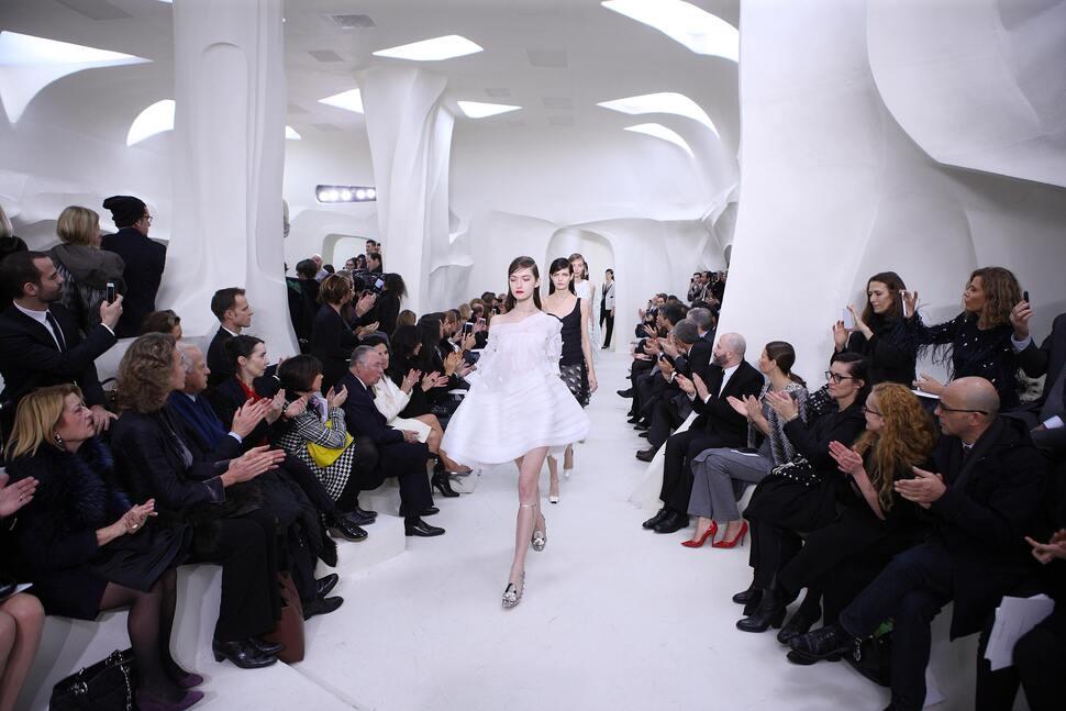 Модный показ новой коллекции Christian Dior Haute Couture. Весна / лето 2014