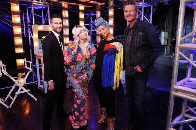 Майли Сайрус и Гвен Стефани вернутся в The Voice в 2017 году