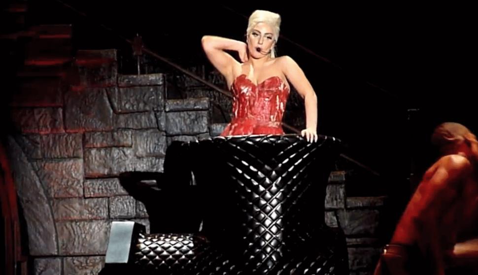 Lady GaGa залезла в мясорубку
