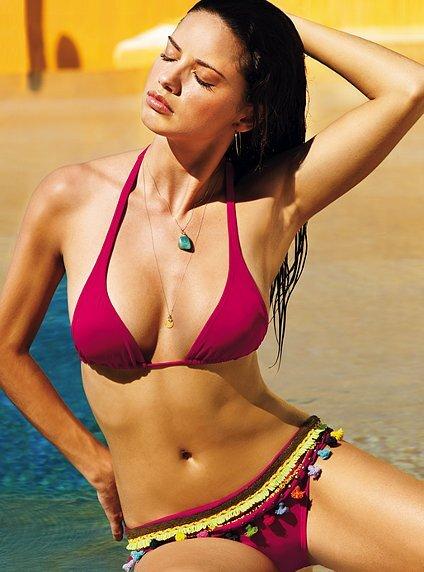Адриана Лима в купальниках от Victoria`s Secret