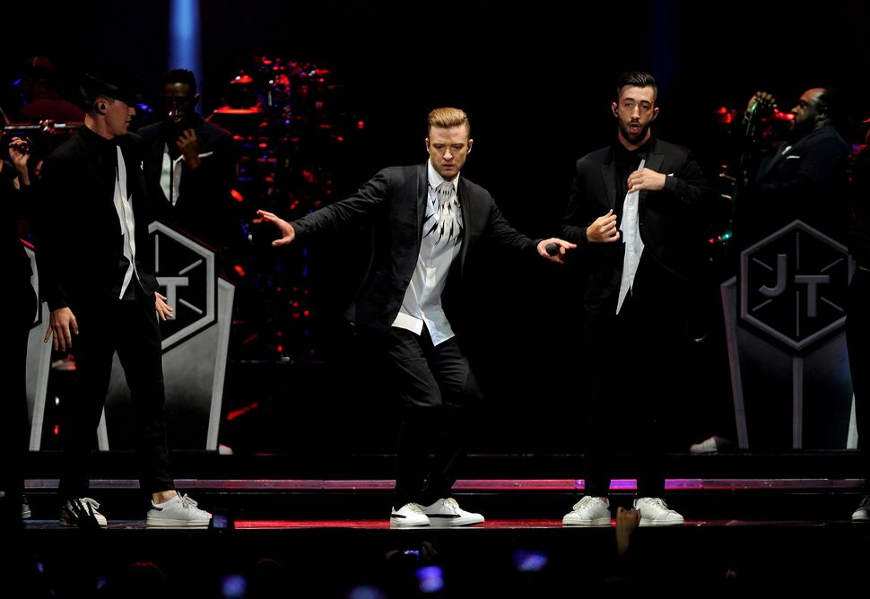 Видео: Джессика Бил танцует на концерте Джастина Тимберлейка