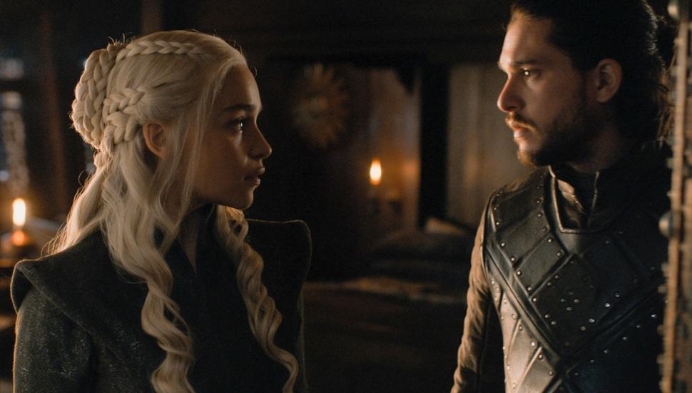 Режиссеры «Игры престолов» намекнули на отношения Дейенерис и Джона Сноу в 8 сезоне
