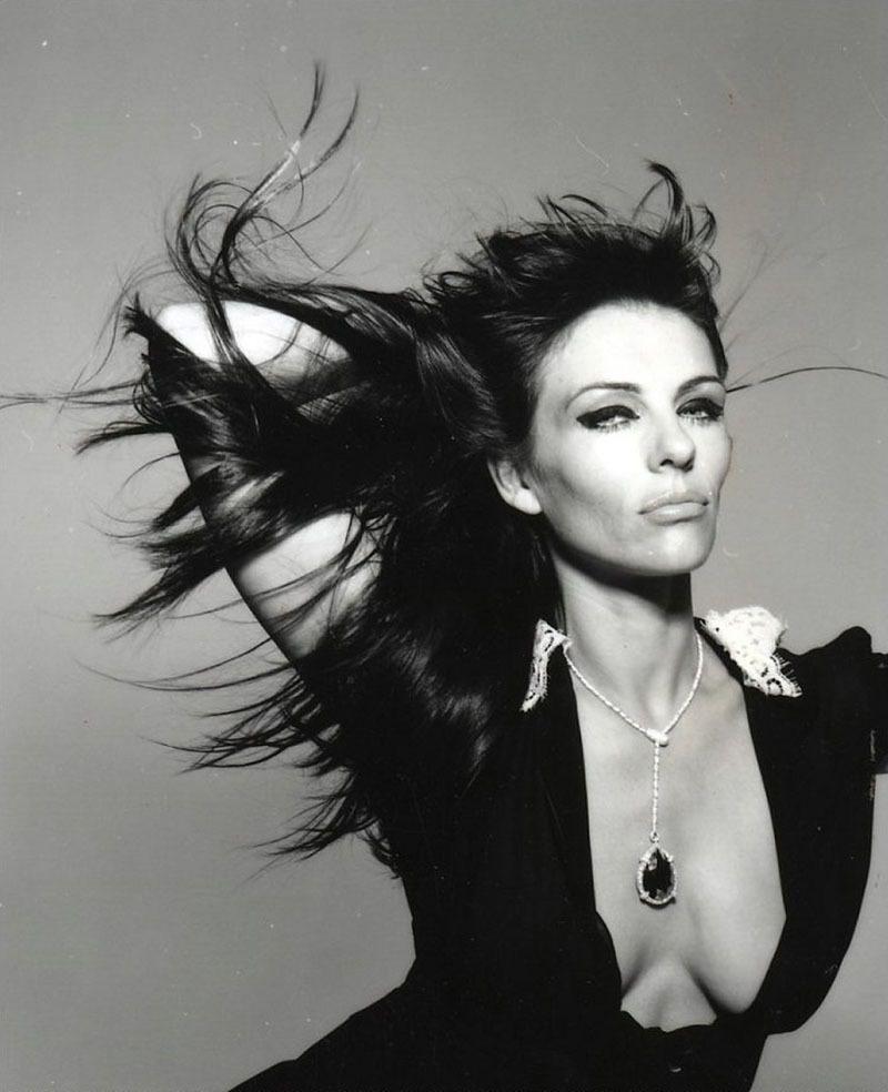 Элизабет Херли в журнале Glamour. Сентябрь 2009