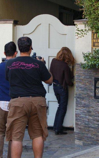 Сандра Буллок продолжает прятаться от папарацци