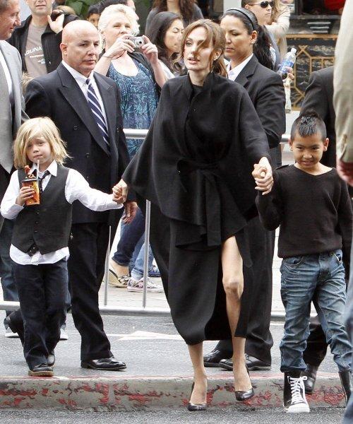 Анджелина Джоли и Брэд Питт взяли своих детей на премьеру «Кунг-фу Панда 2»