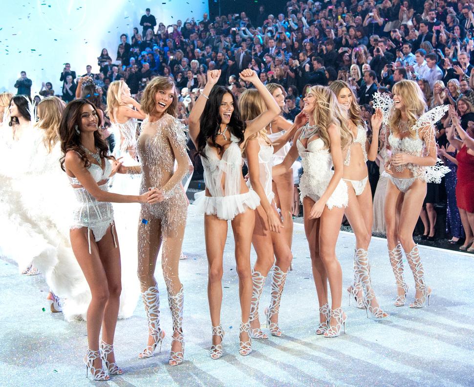 Модный показ Victoria's Secret 2013