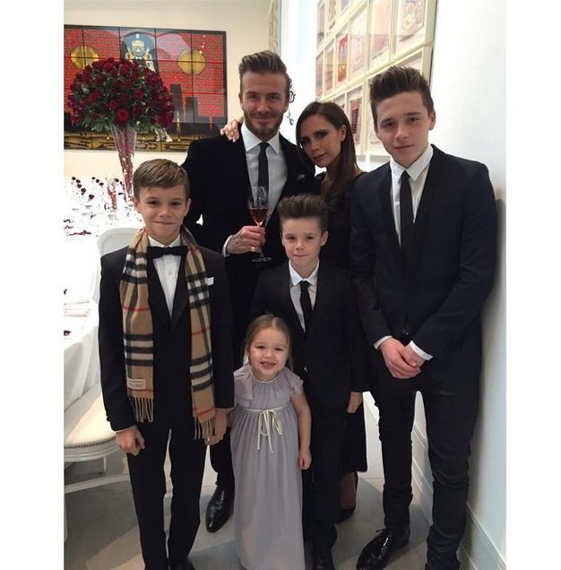 Дети Бекхэмов поздравили их с 20-й годовщиной свадьбы