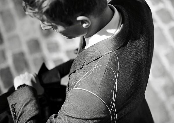 Burberry создают особые мужские костюмы для путешественников