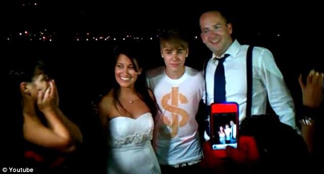 Джастин Бибер и Селина Гомес пришли на свадьбу без приглашения