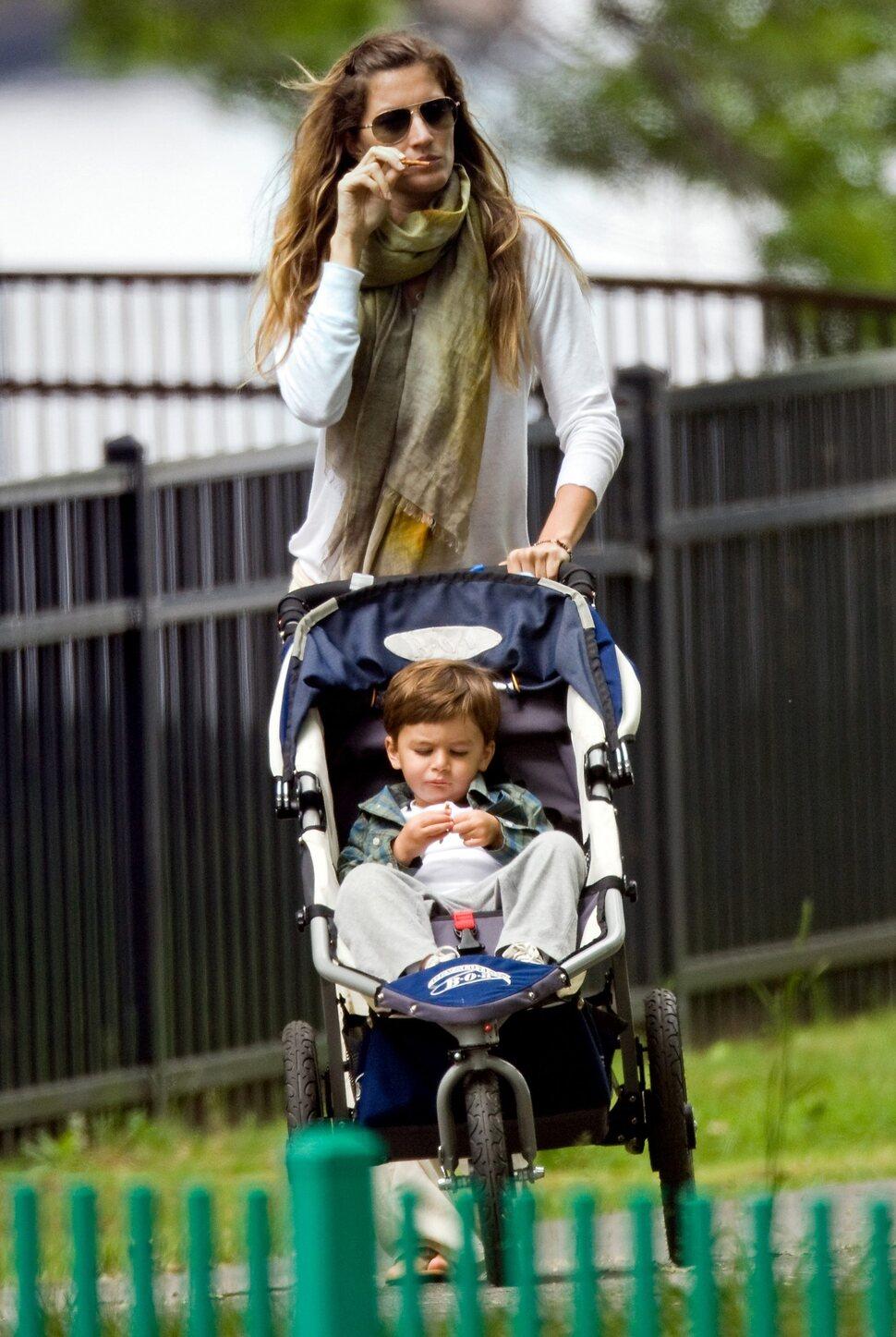 Жизель Бундхен ждет ребенка?