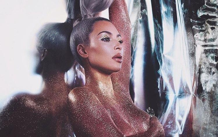 Ким Кардашьян снялась обнаженной в рекламе своей коллекции косметики