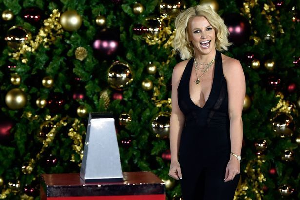 Бритни Спирс «открыла» рождественский сезон в Лас-Вегасе