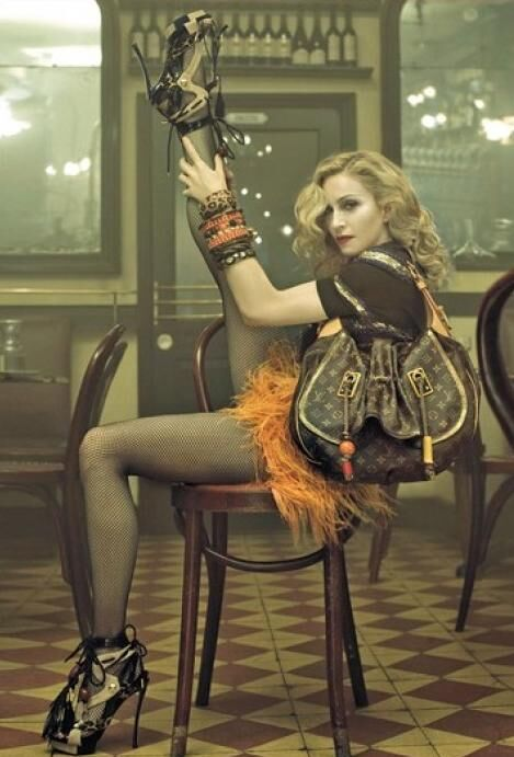 Мадонна продлила контракт с Louis Vuitton
