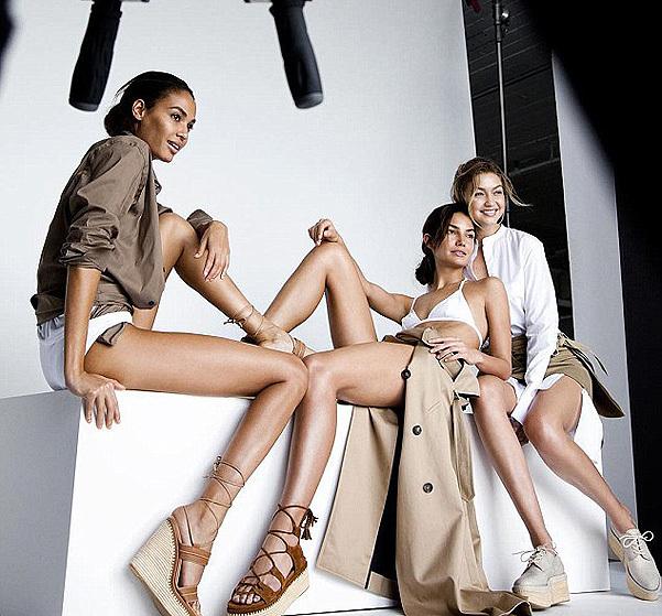 Джиджи Хадид, Джоан Смоллс и Лили Олдридж разделись для рекламной кампании Stuart Weitzman