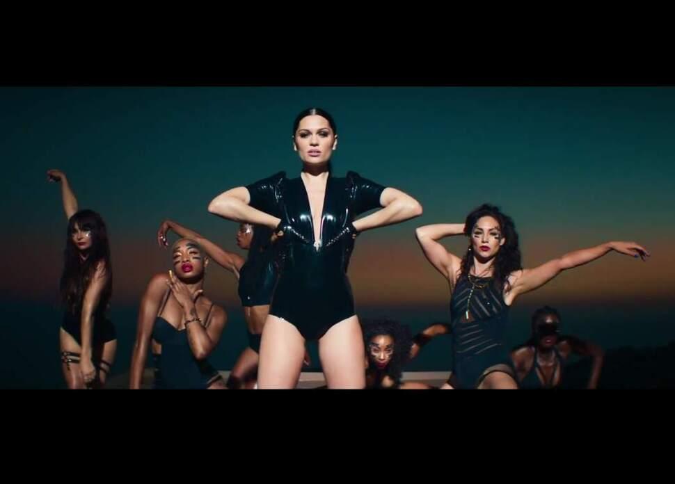 Новый клип Jessie J feat. 2 Chainz - Burnin Up