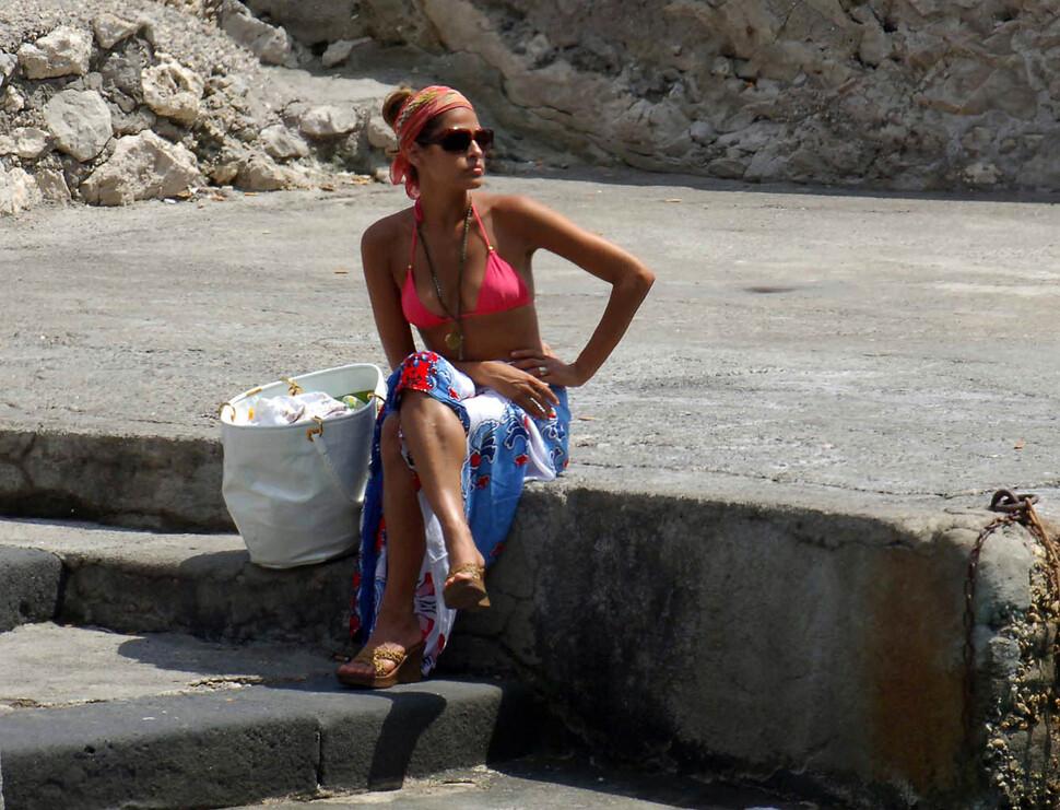 Ева Мендес в бикини