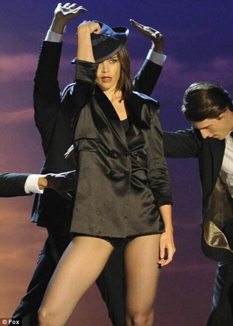 Кэти Холмс в шоу So You Think You Can Dance