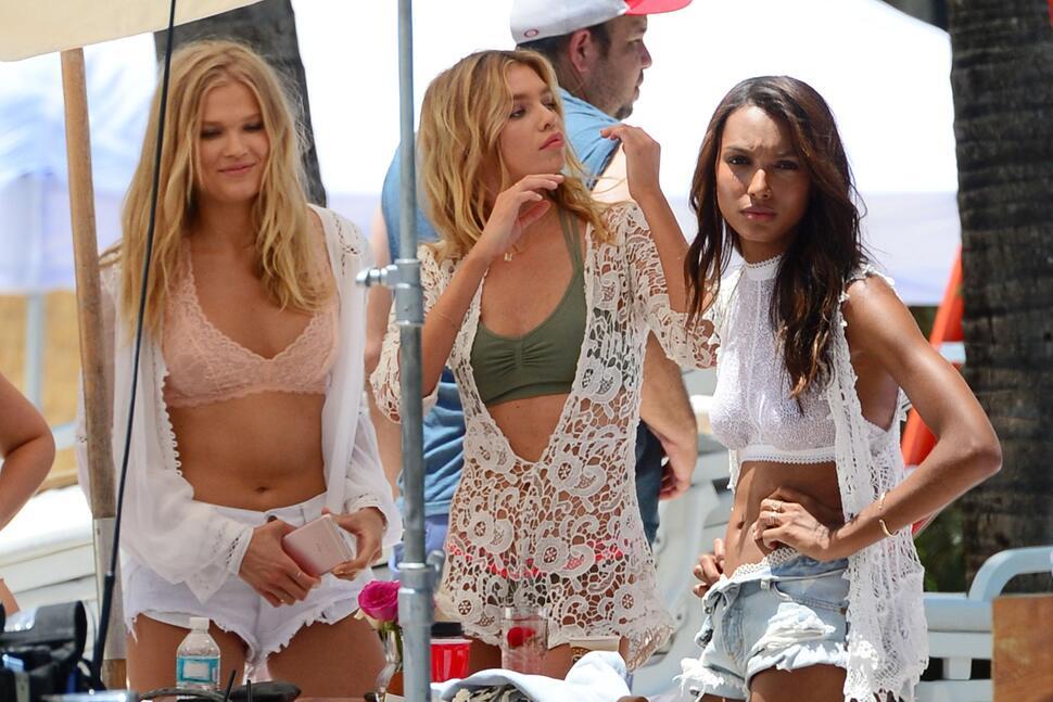 «Ангелы» Victoria's Secret на фотосессии в Майами