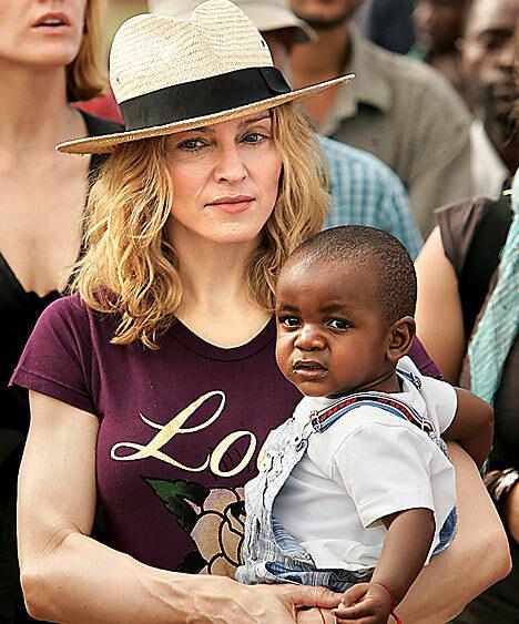 Мадонна потратила 15 миллионов на строительство школы в Малави