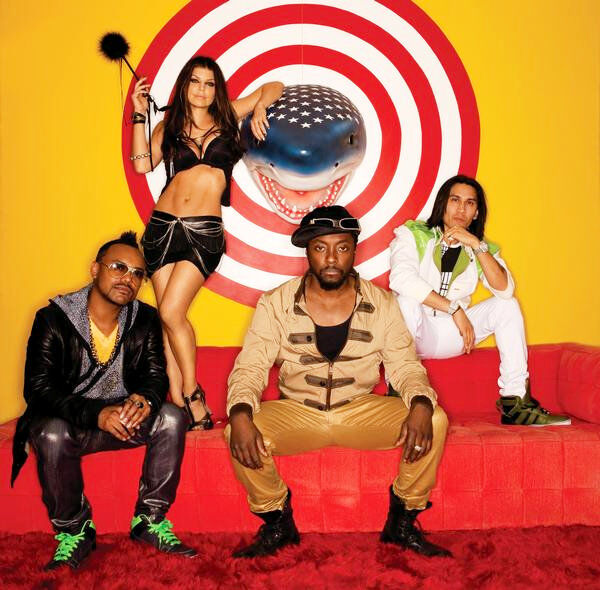 Новый клип от Black Eyed Peas на песню Meet Me Halfway