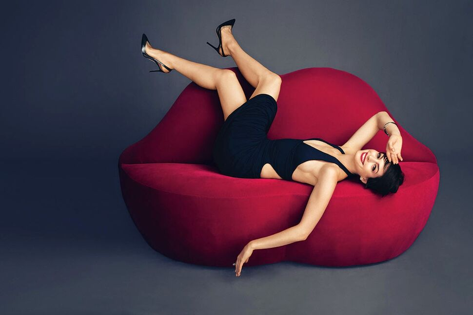 Энн Хэтэуэй в журнале Harper's Bazaar. Ноябрь 2014