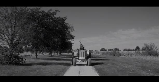 Новый клип группы Arctic Monkeys - One For The Road