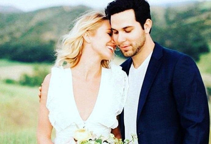 Звезды «Идеального голоса» Анна Кэмп и Скайлар Эстин поженились