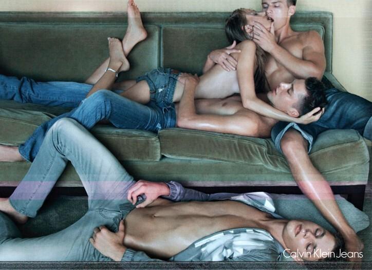 Реклама Calvin Klein оказалась опять слишком сексуальной для ТВ