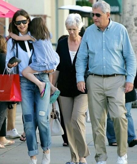 Кэти Холмс с родителями в Беверли-Хиллз