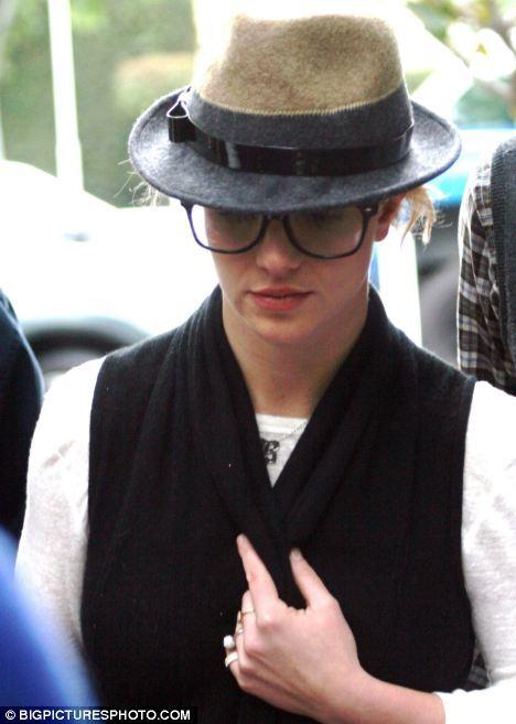 Бритни Спирс переняла новую моду на очки