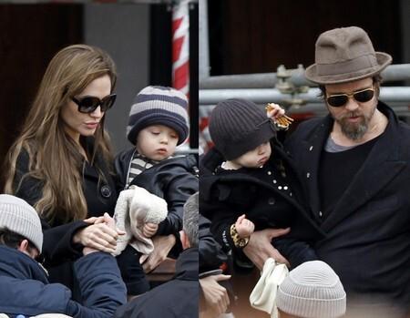 Анджелина Джоли и Брэд Питт с близнецами