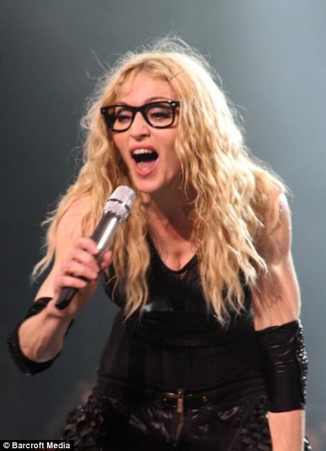 Мадонна берет пример с дочери