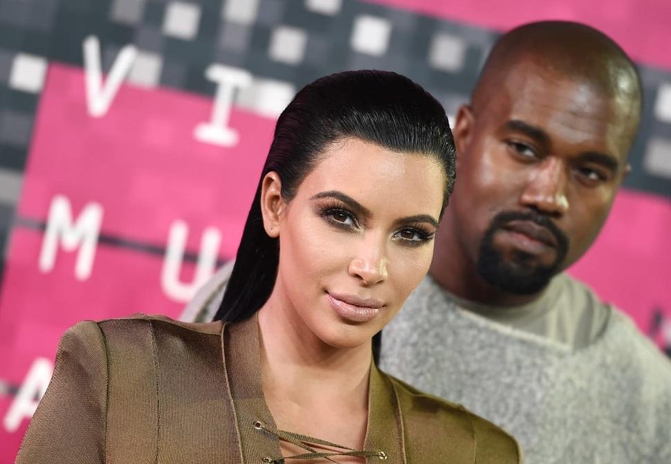 Крупным планом: Ким Кардашьян показала лицо сына Псалма