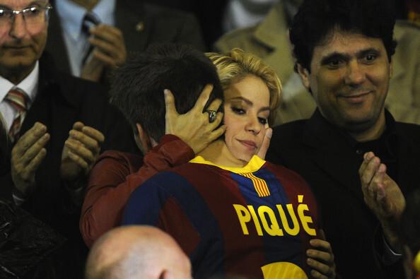 Шакира утешила Жерара Пике после неудачной игры