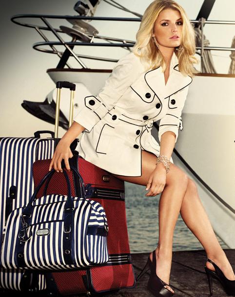 Джессика Симпсон запустила новую линию сумок для путешествий