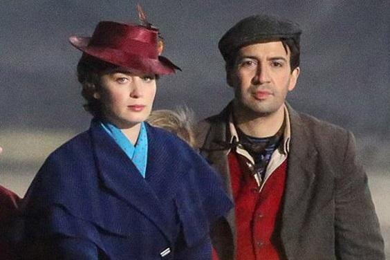 Эмили Блант на новых фото со съемок «Мэри Поппинс возвращается»