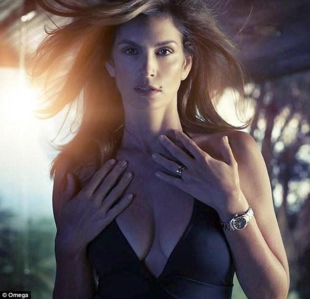 Синди Кроуфорд в рекламной кампании часов Omega