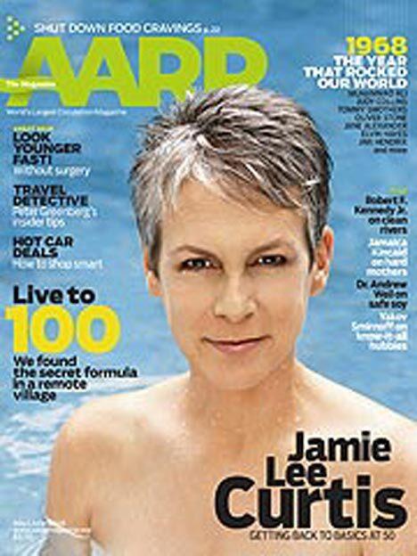 Джеми Ли Кертис сфотографировалась в 50 лет топлесс