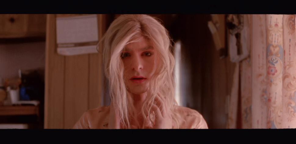 Эндрю Гарфилд в клипе группы Arcade Fire