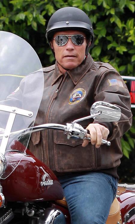 Арнольд Шварценеггер на мотоцикле в Санта-Монике