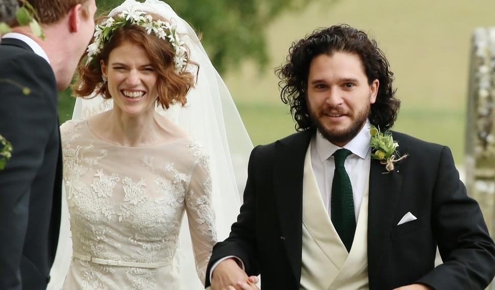 Кит Харингтон и Роуз Лесли поженились: первые фото со свадьбы