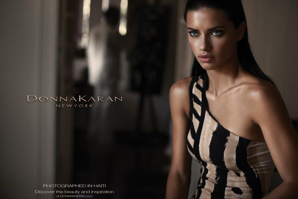 Адриана Лима в рекламной кампании Donna Karan. Весна 2012