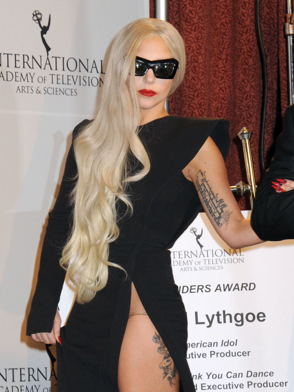 Lady Gaga на церемонии International Emmy Awards
