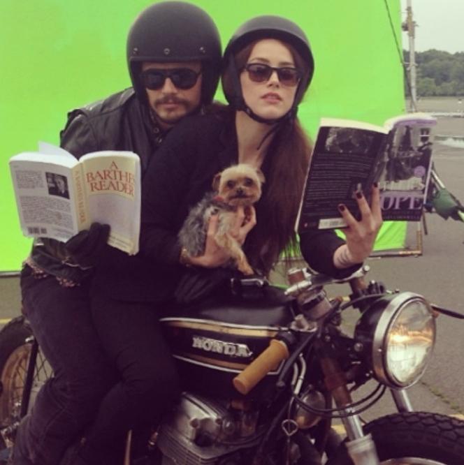 Звезды в социальных сетях: У Йена Сомерхолдера руки в крови, а Мадонна в чужой шляпе