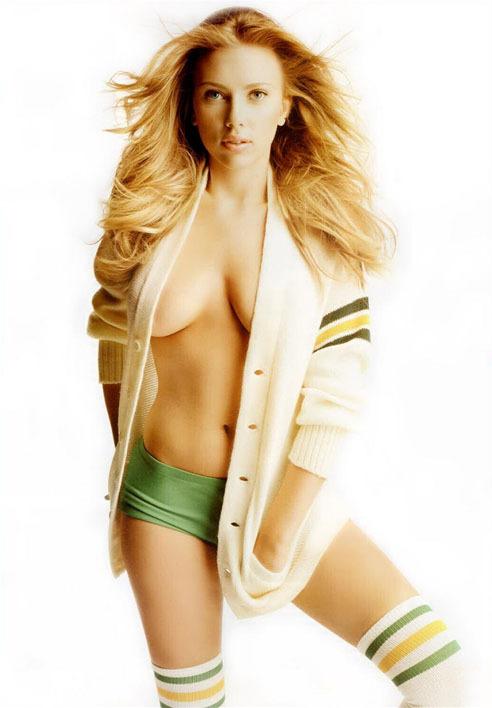 У Скарлетт Йоханссон самая красивая грудь в Голливуде