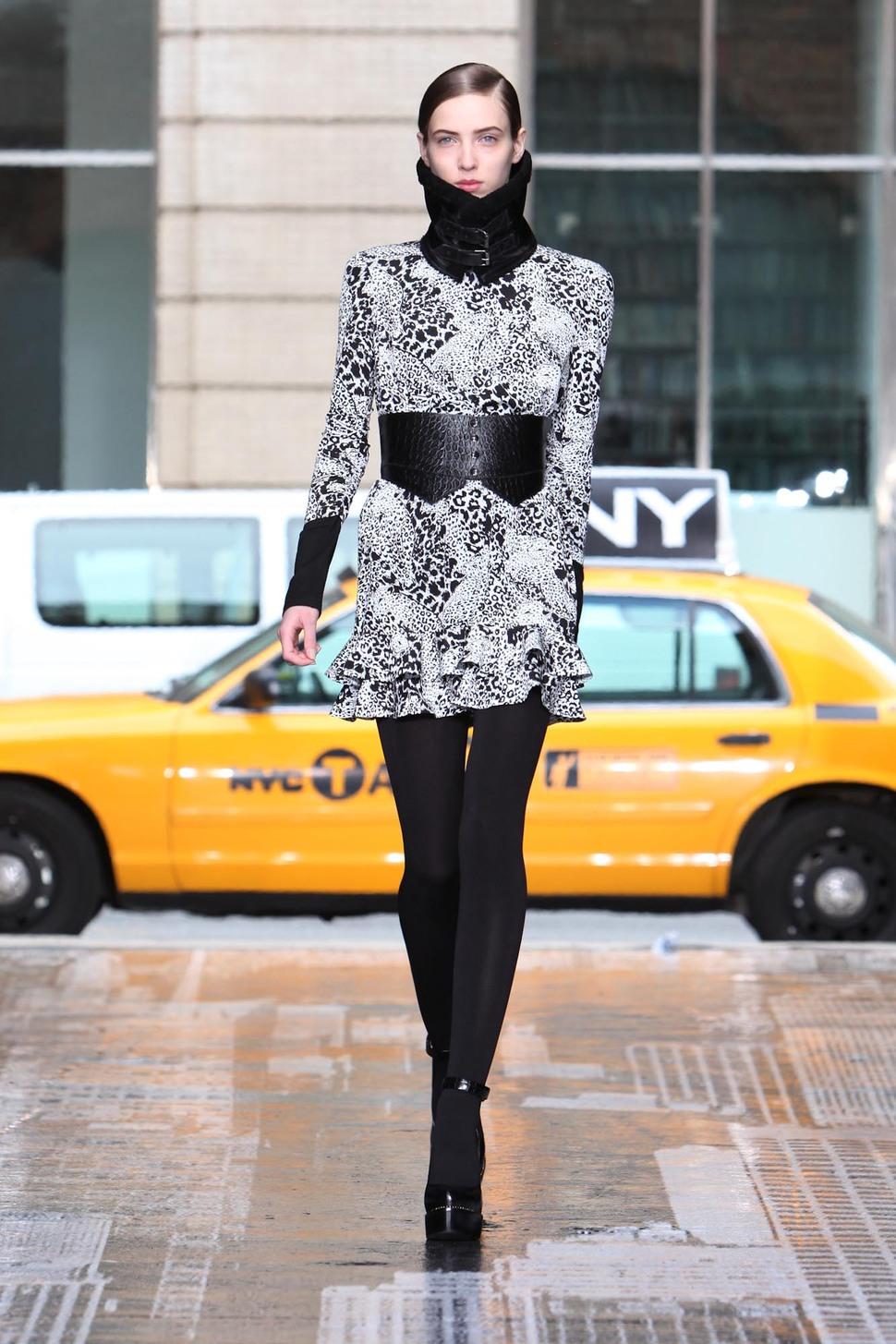 Модный показ DKNY. Осень / зима 2012-2013
